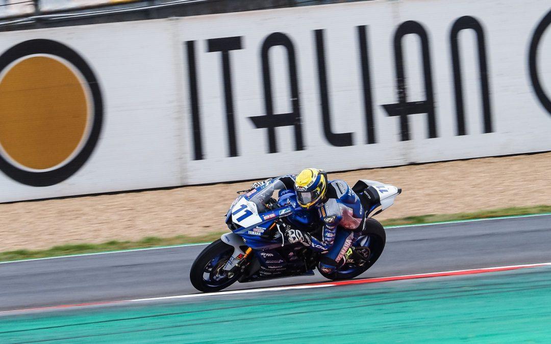 Smith offre la pole position au GMT94 en France