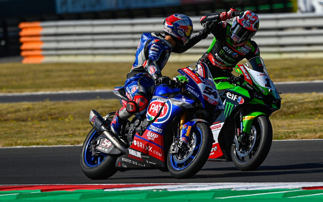 Decided at the end: Razgatlioglu claims Superpole Race victory after stunning Rea battle